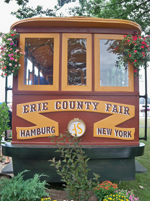 Erie_County_Fair_Historical_Trolley_Head_On_300