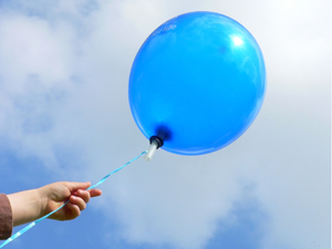 525200_73544751_balloon_release_stock_xchng_royalty_free_300
